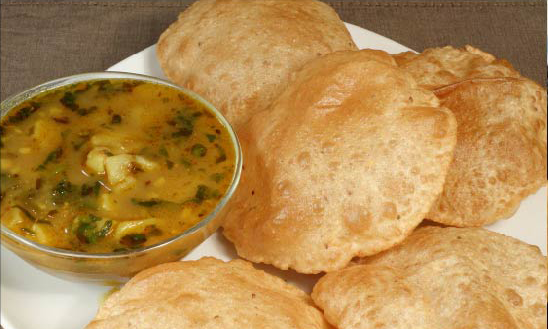 Breakfast-Kachori-with-Aloo-Tarkari-Set